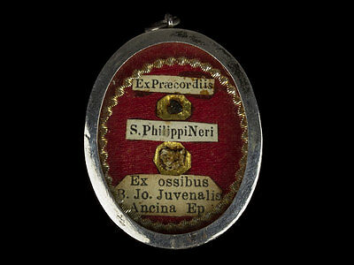 c1605 Pair of Catholic Saints Relics in Locket with Holy Seal