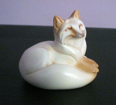WINDSTONE Pebble Red Fox - Ivory Colour