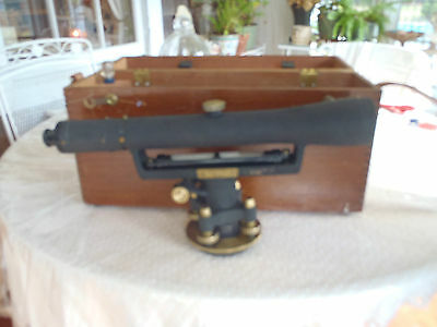 Vintage Berger Level and case # 7D .....70317
