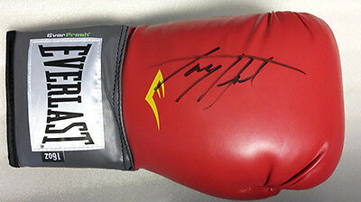 Larry Holmes Signed EVERLAST 16oz New Boxing Glove