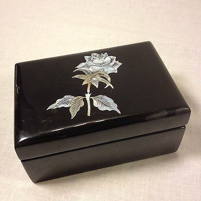 Korean Mother-of-Pearl Inlaid Lacquer Jewelry/Keepsake Box
