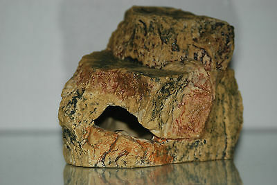 Medium Aquarium Cave Rock Decoration Realistic Design 18 x 12 x 12 cms