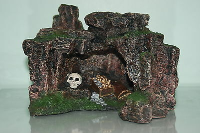 Aquarium Rock Cave with Skull & Treasure 22.5 x 17.5 x 17cms Aquarium Ornament
