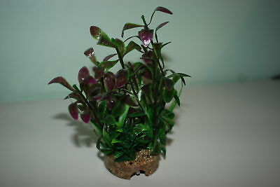 Aquarium Plant And Sandstone Base Complete With Airstone 6 cms x 18cms
