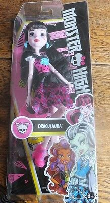 Monster High - Draculaura Doll with Pink Bow Shaped Handbag - Childs Toy - 6+