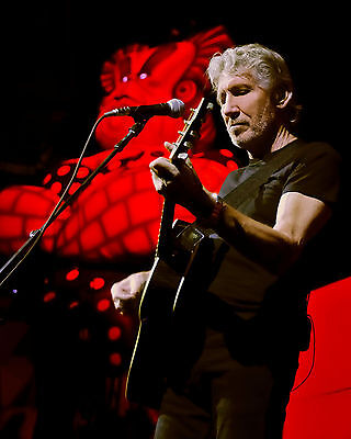 Roger Waters Pink Floyd The Wall 'Live On Stage' 8x10 Photo Type B