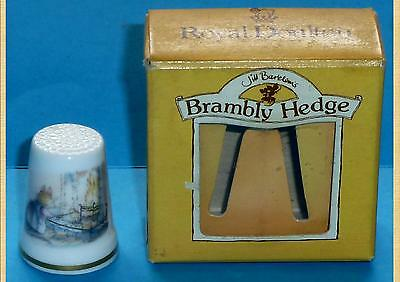 Royal Doulton Brambly Hedge Thimble Winter Series Clover Toasting Bread