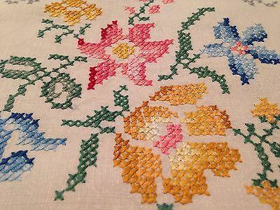 Vintage Hand Embroidered Cream Linen Panelled Tablecloth ROSES and Crochet