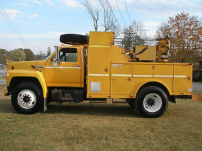1991 Ford  F - 800  Diesel Service Truck