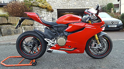 Ducati Panigale 1199S Red 2014 14 Reg 1214 Miles