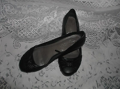 BLACK LEATHER SHOES - SIZE UK 5  EUR 38 - worn once