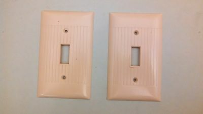 2 Vintage Sierra Bakelite Single Toggle Ivory Switch Plates  Art Deco Ribbed