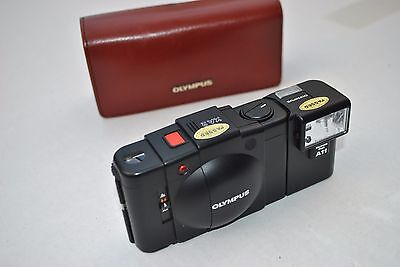 Olympus XA2 35mm Camera  with Case in Nice Condition