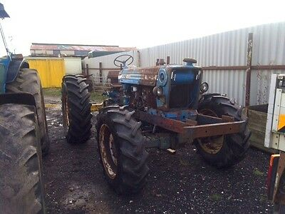 Ford 4WD 6CYL Tractor