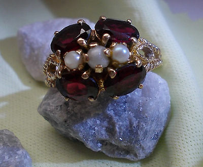 vintage 9ct gold ring encrusted with Garnets and split pearls