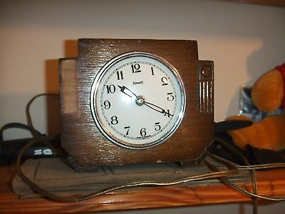 Vintage Wooden Oak Cased Electric  Mantle Clock by FERRANTI Made in England