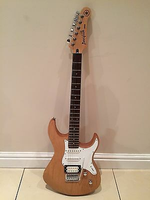 Yamaha Pacifica 112 Electric guitar Boxed & Hardly used