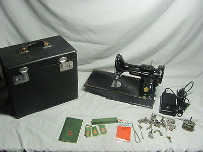 Nr Mint SERVICED Singer 221-1 Featherweight Sewing Machine Case & Attachments