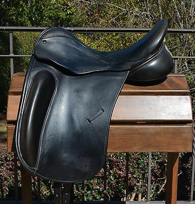 County Perfection Dressage Saddle – 17.5 M **** 7 Day Trial Offered ****