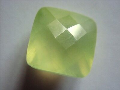 PREHNIT  -  SQUARE CHECKER CUT  -  14 mm  -  15,06 ct.