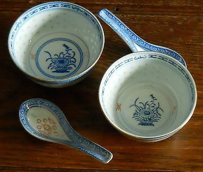 2 bowls + Spoons in Gilt Chinese Rice Grain Porcelain Blue & White Chrysanthemum