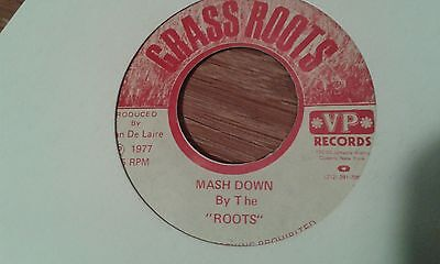 """7""""   ROOTS mash down  1977 GRASS ROOTS  lee perry"""