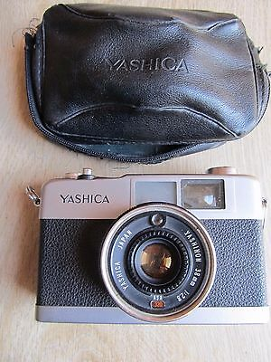 Yashica 35 ME 1970's 35mm viewfinder camera & case