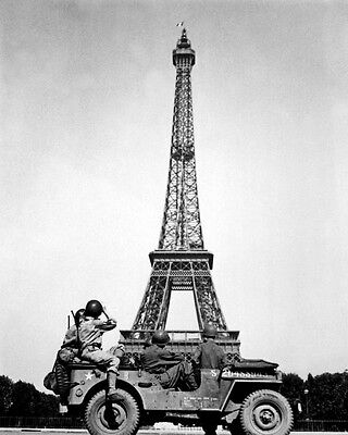 New 8x10 World War II Photo: 4th US Infantry with Eiffel Tower, Liberated Paris
