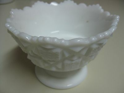 """RARE Westmoreland OLD QUILT MILK GLASS bell-shaped footed mayonnaise 5"""" OQ-14"""