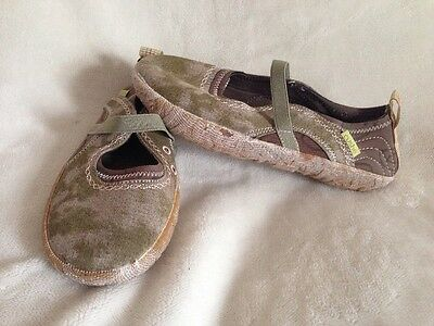 New Cushe Shucoon Slide Women's Green Canvas Water Shoes US 6 /