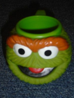 Sesame Street OSCAR The GROUCH Child CUP/MUG Applause Boy Girl