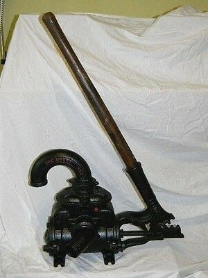 Vintage Antique  Meyers Well Water Pump Hand Operated Garden Man Cave Display
