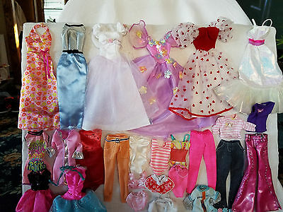 Barbies Assorted Outfit includes sweetheart gown and crystal gown