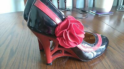 Ladies size 2.5 black and red shoes