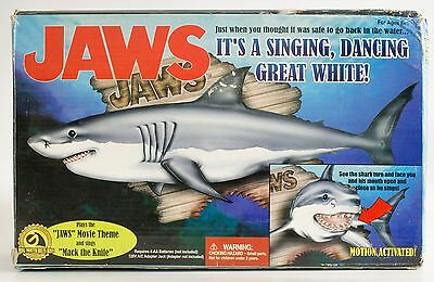Gemmy Jaws Singing Great White Shark 2000 Button or Motion Sensor Activated EUC!