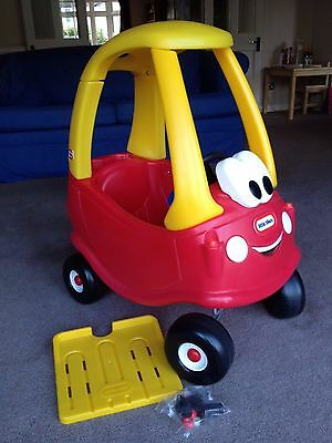 Little Tikes Classic Cosy Coupe ride-on car