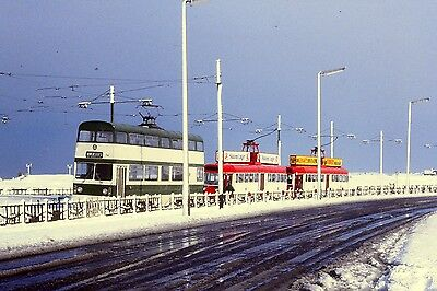 Blackpool Tram Photo - Jubilee Car 761 and two Omos in the snow.