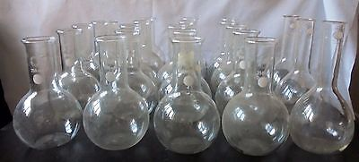 12 Pyrex, 8 Hysil  and 3 Monax  250ml round bottomed glass flasks