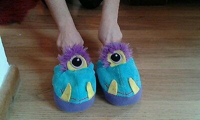 Stompeez monster slippers size small