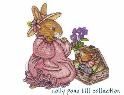 Holly Pond Hill Collection  ~ Designs In Machine Embroidery On Cd