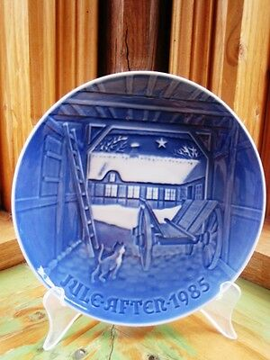 Bing & Grondahl Christmas in Farmhouse  Plate 1985 EXC