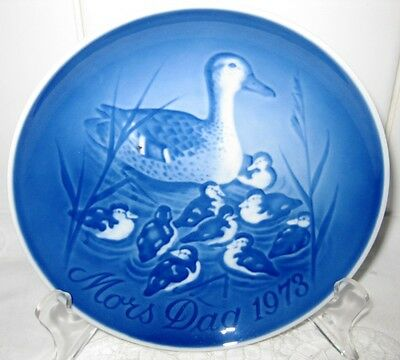 Bing & Grondahl Mother's Day Blue & White Display Plate DUCKS