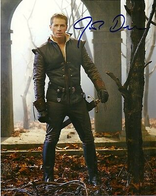 SCRIPT  / SCREENPLAY  Josh Dallas   PILOT *SIGNED COVER  ONCE UPON A TIME