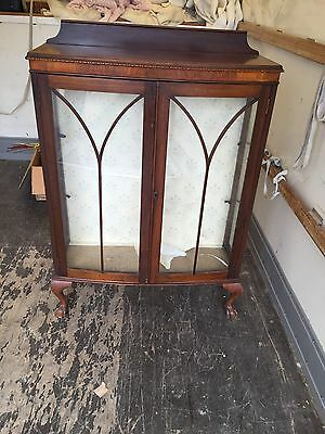 Display Cabinet With Claw&ball Legs