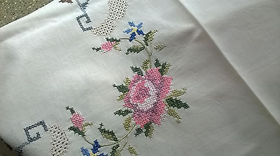 Vintage White Tablecloth with Hand Embroidered Flowers 80cm Sq (Lot 33)