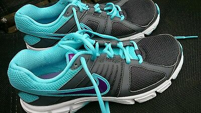 Womens Nike running shoes size 5