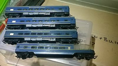 triang transcontinental carriages  00 gauge