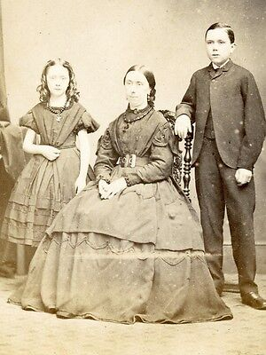 1860s CDV MOTHER & CHILDREN BY COLLINGS OF CARDIFF WALES ENGLAND