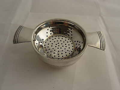 Elkington & Co, Silver Plated Tea Strainer & Stand