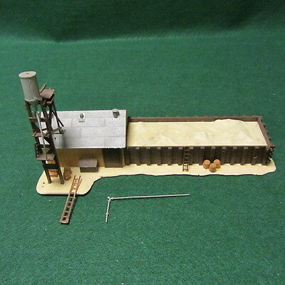 """HO Scale Building Sand House By Pola Quick Plastic W. Germany 9"""""""